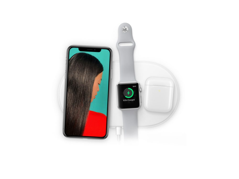 iPhone X on AirPower Mat free PSD